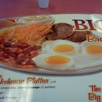 Photo taken at Huddle House by Eric W. on 6/2/2012