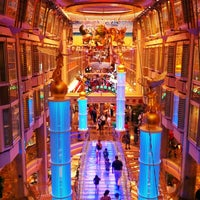 Photo taken at Royal Caribbean - Freedom Of The Seas by Samuel S. on 8/26/2012