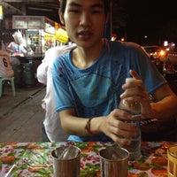Photo taken at ก๋วยเตี๋ยวนำชัย ตลาดต้นพยอม by maythus m. on 6/25/2012