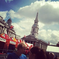 Photo taken at St Martin-in-the-Fields by Ruoling S. on 6/23/2012