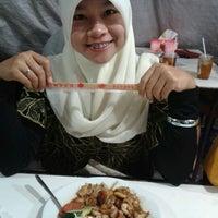 Photo taken at Qudama Japanese Food by Erwinda R. on 7/19/2012