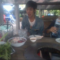 Photo taken at ไพลิน หมูกระทะ by Ohm Ohm O. on 11/1/2011