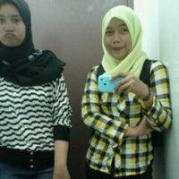 Photo taken at Theater 200A Fakultas Kedokteran Hang Tuah by Ita E. on 9/19/2011