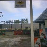 Photo taken at Mutiara Car Wash by Azari H. on 12/13/2011
