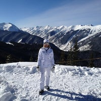 Photo taken at The Sundeck at Aspen Mountain by Andrew M. on 1/28/2012