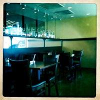 Photo taken at Manna Java  Worldcafé by Jesse G. on 6/3/2011