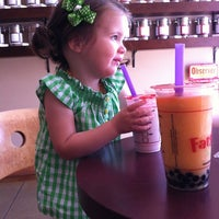 Photo taken at Fat Straws Bubble Tea & Juice by Roxann S. on 4/1/2012