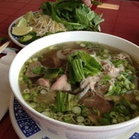 Photo taken at Phở 88 Vietnamese Restaurant by *~Nhi~* on 9/8/2012