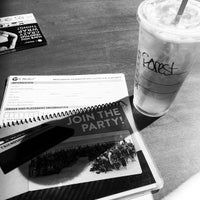 Photo taken at Starbucks by Huong F. on 8/22/2014