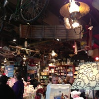 Photo taken at Cracker Barrel Old Country Store by Ruben L. on 12/30/2012