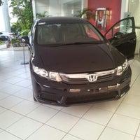 Photo taken at Honda Nova Luz by Enderson L. on 10/23/2012