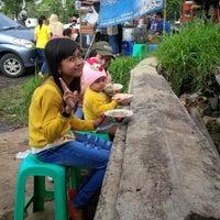 Photo taken at SMA Negeri 9 Bandung by Eddy R. on 12/20/2014