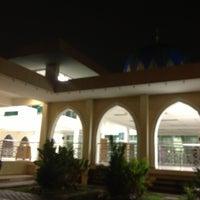 Photo taken at Masjid Al-Hidayah by Uzaidi U. on 10/25/2012