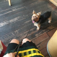 Photo taken at Roasting House COFFEE TREE by Soohyun L. on 9/18/2016