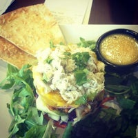 Photo taken at Crispers Fresh Salads, Soups and Sandwiches by Jae R. on 10/30/2012