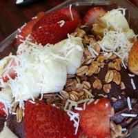 Photo taken at Tropifruit 100% Natural Juice Bar by Justin B. on 1/19/2013
