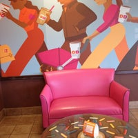 Photo taken at Dunkin Donuts by Aria B. on 4/20/2013