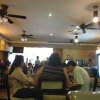 Photo taken at Quile Steak Delicias De Novillo by Oscar Jose A. on 4/7/2013