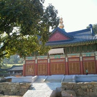 Photo taken at 광명선원 (光明禪院) by Seok-hee L. on 9/30/2012