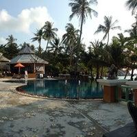 Photo taken at Pariya Resort & Villas Haad Yuan Koh Phangan by Vanessa M. on 3/27/2014