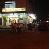 Photo taken at Restaraan Aasiya by aliefQalief on 7/18/2013