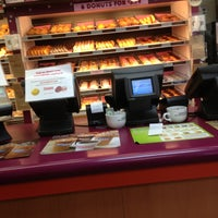 Photo taken at Dunkin' Donuts by Daisy on 2/25/2013