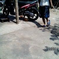 Photo taken at Station Motor by Rizkia Putri Pambayu on 9/8/2014