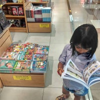 Photo taken at Gramedia by Hendrik O. on 12/13/2015