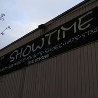 Photo taken at Showtime Detroit by Kevin G. on 12/16/2012