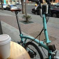 Das Foto wurde bei Starbucks von Chang Y. am 2/23/2013 aufgenommen