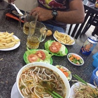 Photo taken at Nam Sơn beefsteak by Carlos F. on 9/23/2014