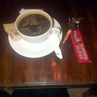 Photo taken at Kedai Kopi Espresso Bar by Bambang T. on 5/8/2014