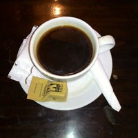 Photo taken at Kedai Kopi Espresso Bar by Bambang T. on 3/15/2015