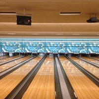 Photo taken at Park Tavern Bowling & Entertainment by Cheenttan J. on 12/29/2012