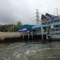Photo taken at ท่าเรือพระราม 7 (Rama 7 Pier) N24 by Ning@ N. on 4/17/2013