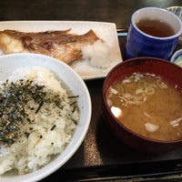 Photo taken at 魚料理のじま by ryukyumax on 5/12/2015