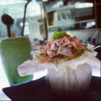 Photo taken at Manga Sushi مانجا سوشي by Jameela A. on 1/20/2013