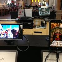 Photo taken at Verizon Wireless (Shock City Cellular) by John K. on 5/22/2013