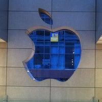 Photo taken at Apple Oxmoor by Dan S. on 11/12/2012