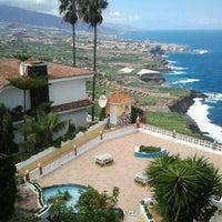 Photo taken at Cafe Vista Paraíso by Imarrero M. on 9/30/2012