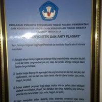 Photo taken at Sekolah Tinggi Ilmu Ekonomi Indonesia (STIESIA) by Eko R. on 10/10/2014