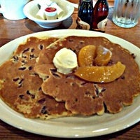 Photo taken at Cracker Barrel Old Country Store by Kerry T. on 1/12/2013