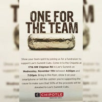 Photo taken at Chipotle Mexican Grill by J. Emile J. on 11/11/2015