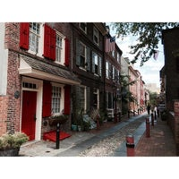 Photo taken at Elfreth's Alley Museum by Mike T. on 8/1/2015
