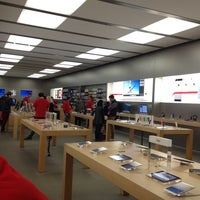 Photo taken at Apple King Street by Robotes V. on 11/20/2013