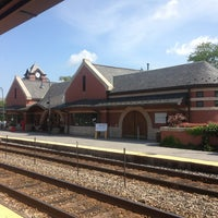 Photo taken at Metra - Glenview by Jerry C. on 8/7/2013