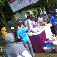 Photo taken at Fakultas Pertanian by Aninditya Verinda P on 3/3/2013