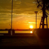 Photo taken at Anjungan Pantai Losari by aNantYAous on 6/26/2013