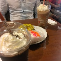 Photo taken at Dunkin' Donuts by Novie A. on 10/29/2016