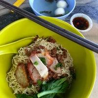 Photo taken at Restoran Kam Heong 甘香茶室 by Melv on 7/25/2015